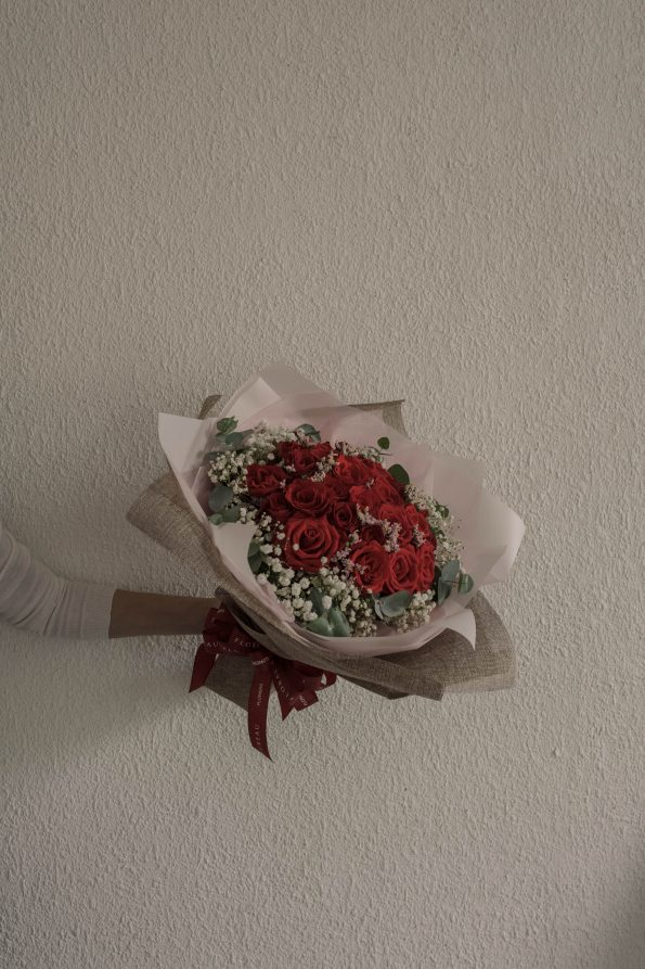 *RED ROSES BOUQUET
